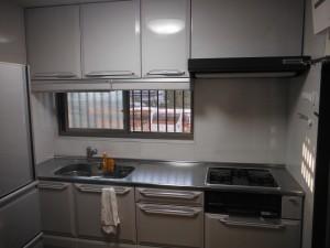 キッチン、トイレ、窓交換・居間内装工事
