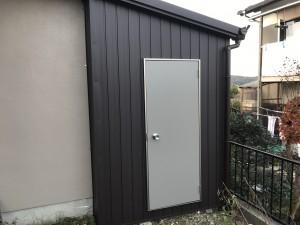 倉庫ドア交換(テラス工事、その他工事含む)